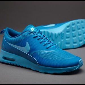 Nike Air Max Thea Monochrome Blue Sneakers Sz 8